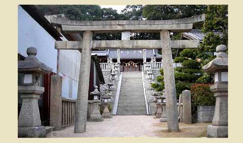 . 高根島にある神社に、砲弾が4個。 ... ▲砲弾 左から、径120... 広島/高根厳島神社